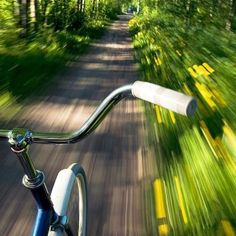 The person has taken a photograph whilst riding a bike with slow shutter speed making the background blurry and the bike completely fine Motion Photography, Art Photography, Slow Shutter Speed Photography, Digital Photography, Vw Minibus, Kalender Design, Belle Photo, Great Photos, In This Moment