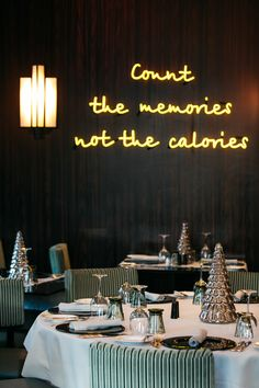 We are inviting you at Bar & Restaurant to drink up together on the Christmas' Eve and New Years' Eve and to countdown together the time to the New Year and not the calories ! Christmas Eve, Xmas, New Years Eve, Restaurant Bar, In This Moment, Memories, Table Decorations, Drink, Home Decor