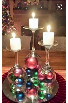 60 of the BEST Christmas Decorating Ideas The BEST DIY Christmas Decorations and Craft Ideas! Everything from Outdoor Decoration, Table Settings, DIY Holiday Crafts, and Home Decor! Noel Christmas, Simple Christmas, Winter Christmas, Christmas Ornaments, Beautiful Christmas, Christmas Candles, Rustic Christmas, Christmas Balls, Outdoor Christmas
