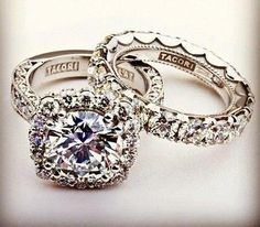Tacori. Wow. Absolutely stunning, beautiful, and gorgeous engagement / wedding rings.