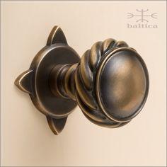 TELLURIDE door knob & rose 50mm - antique bronze - Custom Door Hardware - BALTICA offers coordinating TELLURIDE series decorative hardware including entry door trims, door bell buttons, door levers, door pulls, escutcheons, cabinet knobs, cabinet pulls, window hardware, multi-point trim, recessed pulls, flush pulls, cremone bolts, surface bolts, door stops.   #door #knob #artisan #architecture #art #sculpture #design #luxury #ironmongery #homes #cabinet #hardware