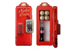 The Fallout Nuka Cola Machine Mini Refrigerator looks just like the ones you find in the wasteland. Now you can have your very own Nuka-Cola fridge for your Fallout 4 Funny, Fallout Props, Fallout Game, Fallout Vault, Gadgets And Gizmos, Cool Gadgets, Mini Fridge, Refrigerator, Fallout Nuka Cola
