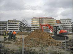 Bombenfund auf der Baustelle an der Friedrichstraße, Ecke Kruppstraße, in Essen-Holsterhausen. Der britische Blindgänger war bei der Auswertung von Luftbildern der Alliierten durch die Bezirksregierung entdeckt worden.
