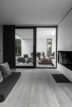 'Minimal Interior Design Inspiration' is a weekly showcase of some of the most perfectly minimal interior design examples that we've found around the web - all Interior Design Examples, Interior Design Inspiration, Inspiration Boards, Design Exterior, Interior And Exterior, Style At Home, Minimalism Living, Home Fashion, Interior Architecture