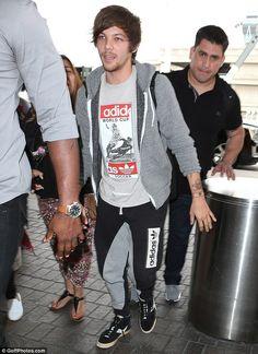 Louis Tomlinson arrives in LA