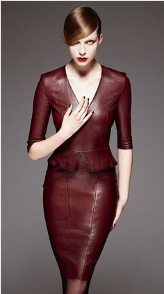 Fed onto Leather Dress Ideas Album in Women's Fashion Category Moda Fashion, High Fashion, Womens Fashion, Steampunk Fashion, Gothic Fashion, Mode Boho, Elegantes Outfit, Leather Dresses, Red Leather Dress