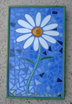 A Daisy for You, by Laurie Treat Mosaic Art Projects, Mosaic Crafts, Stained Glass Projects, Stained Glass Art, Mosaic Tile Art, Mosaic Glass, Mosaic Mirrors, Fused Glass, Mosaic Designs