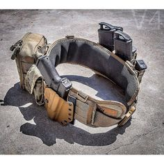 The main focus of this build is your utility belt, you want it to have everything you need to keep moving, while avoiding any excess that might slow you down.