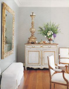 Houston Home Designed by Babs Watkins Veranda Mag 1999 via cote de Texas Antique Paint, French Decor, Decorating Your Home, Decorating Ideas, Decor Ideas, Decoration, Painted Furniture, Distressed Furniture, French Furniture