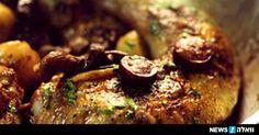 עוף בשומן אווז, פטריות ותפוחי אדמה זעירים / השף אבי ביטון  ארוחה שלמה בסיר אחד