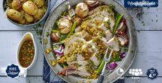 Kalkoenfilet met crust, tijm-aardappeltjes en rijke groentejus