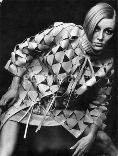 Twiggy in Paco Rabanne