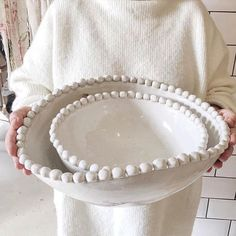 All white everything. Lovely shot of our rib-knit MOIRA sweater complete with Da… All white everything. Lovely shot of our rib-knit MOIRA sweater complete with Dassie Artisan bowl in hand. Ceramic Clay, Ceramic Plates, Ceramic Pottery, Slab Pottery, Thrown Pottery, Pottery Vase, Clay Projects, Clay Crafts, Cerámica Ideas