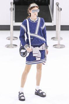 Chanel - 2016 Spring & Summer Collection | madame FIGARO.jp(フィガロジャポン)