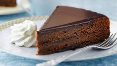 Ingredients  6 eggs, separated 1/2 cup (120ml) granulated sugar 1 cup (240ml) flour 1 cup (240ml) confectioner's sugar 9 tbsp (135mL) butter 1 tsp (4mL) vanilla extract 4 1/2 oz (130g) dark chocolate