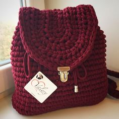 Купить или заказать Рюкзак бордо в интернет-магазине на Ярмарке Мастеров. Оригинальный рюкзак ручной работы, связанный из хлопковой пряжи, на кнопочном замке, лямочки на карабинах, актуален в любое время…