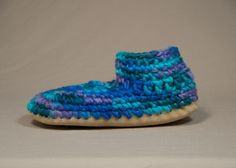 """The Women's Original Slipper is made from fine New Zealand wool, coupled with a plush sheepskin lining for the ultimate cozy experience. These slippers truly """"breathe"""" for year round comfort. Your feet will thank you after a long day. The Die, Canadian Gifts, Waldorf Toys, Sewing Crafts, Slippers, Cottage, Colours, Pairs, Wool"""
