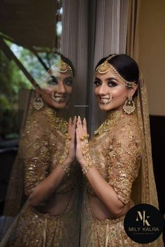 Breathtaking golden lehenga with jewellery for wedding. See more on Indian Bridal Outfits, Indian Bridal Lehenga, Indian Bridal Makeup, Indian Bridal Wear, Bridal Dresses, Wedding Outfits, Indian Wedding Jewellery, Indian Wedding Dresses, Lehenga Wedding