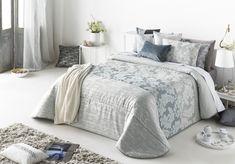 Colcha bouti AINARA de Antilo. Color gris Madrid, Comforters, Blanket, Bed, Service, Furniture, Info, Internet, Home Decor