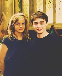 Oh the Harry/Hermoine shippers should love this pic