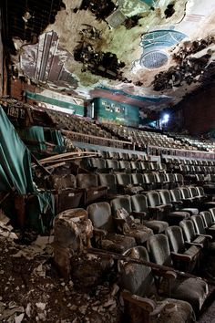 Old theatre in Junction City .  Ticket prices are free, but the projector is missing, so no movies for now.