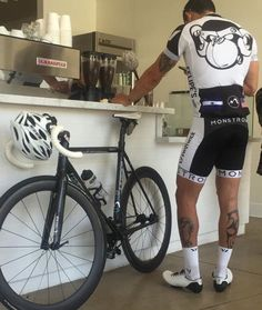 Love Cyclists, love Lycra.