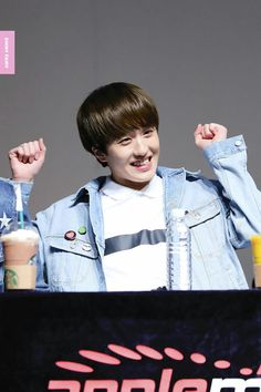 SF9💗Chani Kang Chan Hee, Chani Sf9, Height And Weight, A Good Man, Cute Wallpapers, Cute Boys, Rapper, Maine, Hollywood