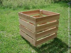 Imagine repurposing palates for this!  How to Build a Homemade Compost Bin