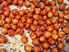 Snack of roasted chickpeas urban city Healthy Snacks, Healthy Eating, Healthy Recipes, Pizza Raclette, Recettes Anti-candida, Cas, Cure Diabetes Naturally, Appetisers, Meal Planner