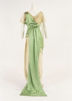 Worth Evening Dress 1910---must have been difficult to walk with the train in the front