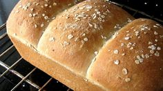 A mild oat flavor distinguishes this bread machine loaf.