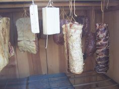Smokehouse (cold smoked) Bacon - also salt, cheese, olives and nuts! So many uses for a smoker/smoke house. We also want to make smoked salmon :) Smoked Cheese, Smoked Bacon, Charcuterie Cheese, How To Make Sausage, Smokehouse, Farms Living, Smoking Meat, Grilled Meat, Sausages