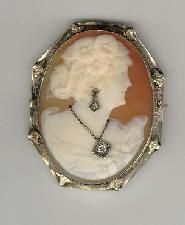 51_diamond_and_gold_cameo_brooch_1_mid.jpg
