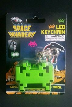 Space Invaders Light Up LED Key Chain Torch Key Ring NIP Stocking Stuffer #50Fiftygifts