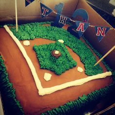 Baseball field cake. We'll probably do something like this for his smash cake. Use chocolate cake so we don't have to frost for the field!
