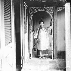 John Thompson. Cantonese Woman, (Guangzhou, Guangdong, 1869–70). China and Hong Kong