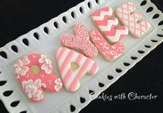Birthday decorated sugar cookies for him. Royal icing. Pink, white. Letter.