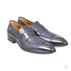 Manufacturing heritage dating back to the Specially hand made buy a select group of cobblers in Portugal. Made with Italian leather Exclusive to Feri Fashion House Mens Silver Pendants, Mens Silver Necklace, Blue Shoes, Men's Shoes, Dress Shoes, Penny Loafers, Loafers Men, Runway Shoes, Silver Man