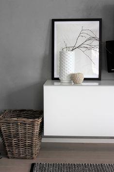 Tapettikirjoista taulu Table Settings, Furniture, Home Decor, Decoration Home, Room Decor, Place Settings, Home Furnishings, Home Interior Design, Home Decoration