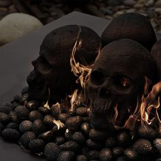 Ceramic fireproof skulls are available in natural skull gray or matte black. Ceramic Fireproof Skulls, Bones and Mini Skull sets are a fun, creative, and easy way to liven up your fire pit or fireplace, especially around Halloween. Halloween Pumpkins, Fall Halloween, Halloween Party, Halloween Fireplace, Classy Halloween, Halloween Bottles, Outdoor Halloween, Halloween House, Halloween Gifts
