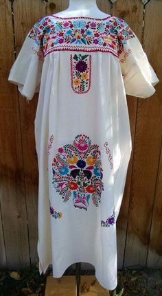 Mexican Dress Hand Embroidered Butterflies Flowers Bata Huipil Manta Oaxacan XL #Handmade #MexicanDress #DiadeLosMuertos