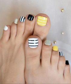 Neon Toe Nails, Yellow Toe Nails, Fall Toe Nails, Simple Toe Nails, Black Toe Nails, Pretty Toe Nails, Cute Toe Nails, Toe Nail Color, Summer Toe Nails