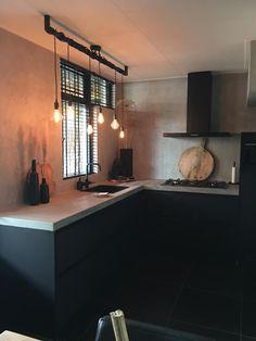 Op zoek naar een mooie sfeervolle lamp? Bekijk dan zeker een de Industriële Loftbar van Loftdeur.nl! Corner Desk, Furniture, Design, Home Decor, Lighting, Ad Home, Projects, Corner Table, Decoration Home