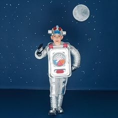 DIY Halloween Robot Costume - Hundreds of other DIY costume ideas - Retro Halloween - vintage Halloween idea Costume Robot, Robot Halloween Costume, Halloween Vintage, Spooky Halloween Crafts, Homemade Halloween Costumes, Creative Halloween Costumes, Halloween Kostüm, Costume Ideas, Carnival