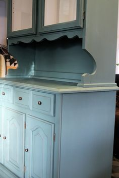 the vintage bricoleur: Annie Sloan Chalk Paint Tutorial - Hutch Refurbished Furniture, Furniture Makeover, Painted Furniture, Diy Furniture, Upcycled Furniture, Annie Sloan Chalk Paint Tutorial, China Hutch Makeover, Vintage Hutch, Painted Hutch
