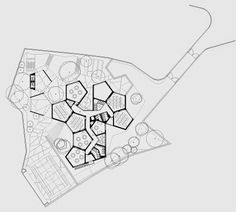 Parque Kindergarten, PT-Cascais PROMONTORIO final floor plan, maybe the inner spaces are too dependent on the pentagon shape Education Architecture, Concept Architecture, Facade Architecture, School Architecture, Pentagon Design, Pentagon Shape, The Plan, How To Plan, Kindergarten Design