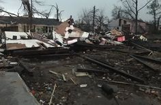 People trapped after tornado rolls through Mississippi