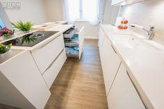 #kitchendrawers #kitchenstorage #kitchenorganization #modernkitchen #kitchendesign #kitchenfurniture #whitekitchen #wooddetails  #kitchenideas #KUXAstudio #KUXA #KUXAkitchen #bucatariemoderna #bucatarie Kitchen Island, Modern, Drawers, Gifs, Bathtub, Furniture, Bathroom, Design, Island Kitchen