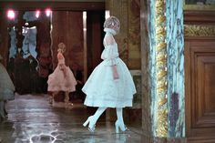 My BEADialogy...: Alexander McQueen Fall 2013 (RTW) - Intro & The Collection