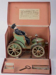 Vintage Tins, Vintage Dolls, Retro Vintage, Old Fashioned Toys, Baby Boutique Clothing, Old Boxes, Automata, Tin Toys, Doll Furniture